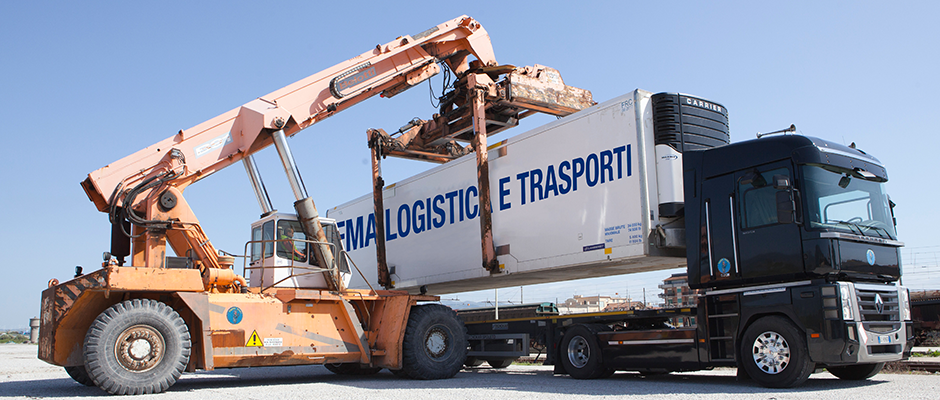trasporto_spedizioni_italia_camion_combinato_strada_rotaia.jpg